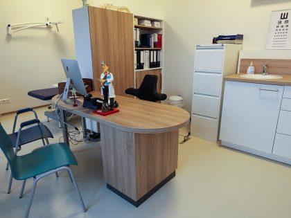 Behandlungsraum in der Arztpraxis