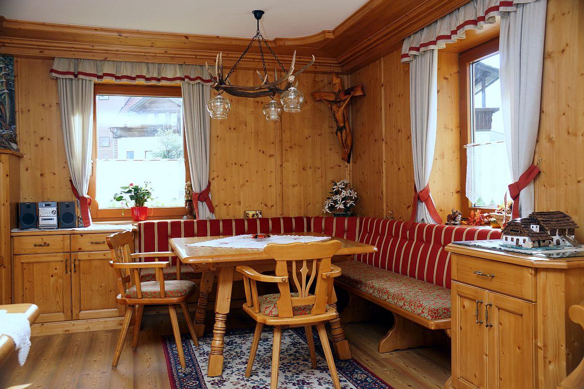 bauernstube tauern in fichte massiv mit eckbank kirchbach voll gepolstert m bel finsterwalder. Black Bedroom Furniture Sets. Home Design Ideas