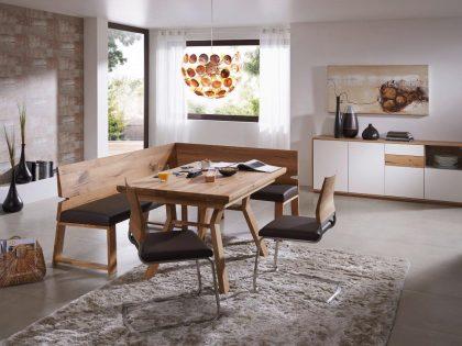 Eckbankgruppe AURORA mit Vierfußtisch und Freischwinger. Tisch mit Auszug möglich