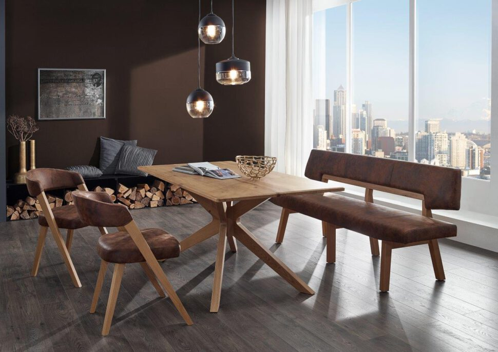 Tischgruppe SAVONA mit Einzelbank, Kreuzfußtisch und Stühle in Eiche. Bezug Echtleder