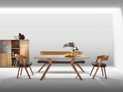 Essgruppe SELECTO in Asteiche mit Einzelbank 180 cm, Vierfußtisch 300F 150 X 90 cm und 2 Stühle