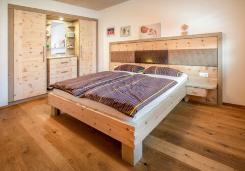 Schlafzimmer Nockberge mit Einbauschrank